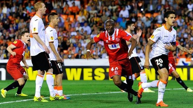 El gol de Mbia mete al Sevilla en la final de la Europa League