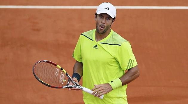 Verdasco avanza a segunda ronda en Roland Garros tras batir a Llodra