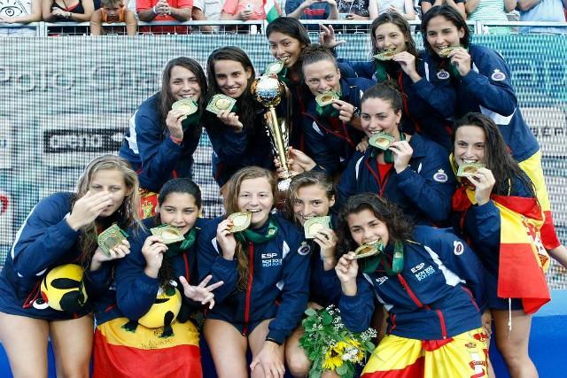 El equipo femenino español de waterpolo es campeón de Europa