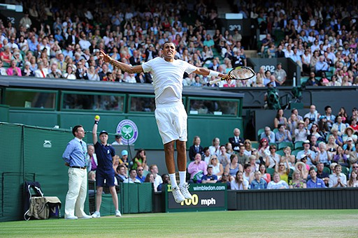 Kyrgios sorprende a Rafa Nadal y avanza a cuartos en Wimbledon