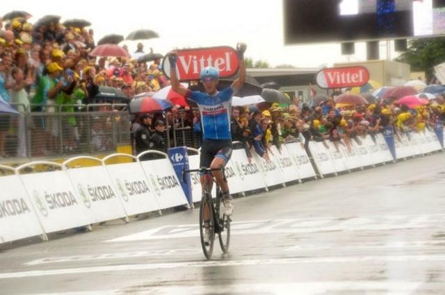 Navardauskas se impuso en una lluviosa etapa con final en Bergerac