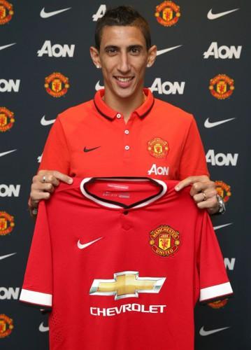 Angel Di Maria posa con la camiseta del Manchester United