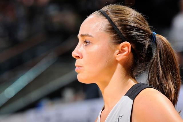 Becky Hammon será asistente de Popovich en los Spurs
