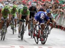 Vuelta a España 2014: Bouhanni gana en Albacete en un polémico sprint