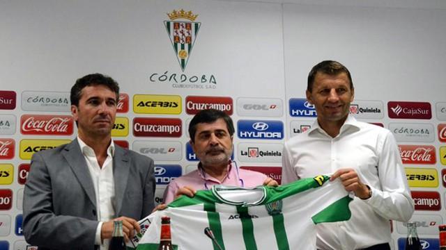 Djukic ha sido presentado como nuevo entrenador del Córdoba