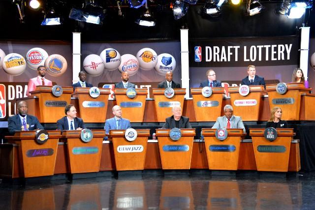 La lotería del draft de la NBA seguirá haciéndose como siempre