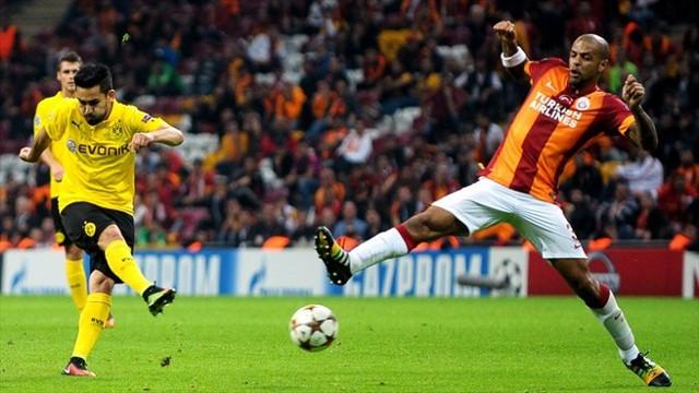 Gundogan vuelve a ser titular en el Borussia Dortmund