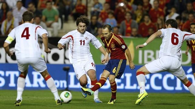 Iniesta en un partido de la selección española