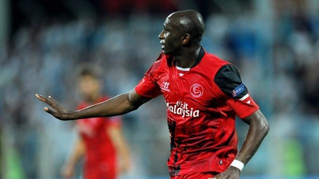 Mbia volvió a marcar un gol en el descuento para el Sevilla