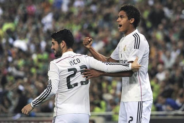 Varane con dos goles lideró al Madrid en Cornellá