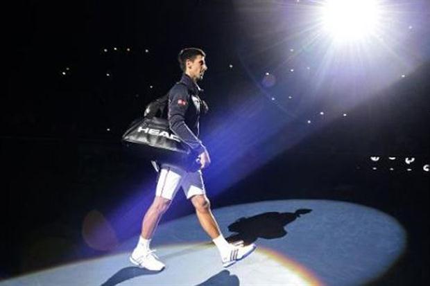 Djokovic aplasta a Cilic en Londres