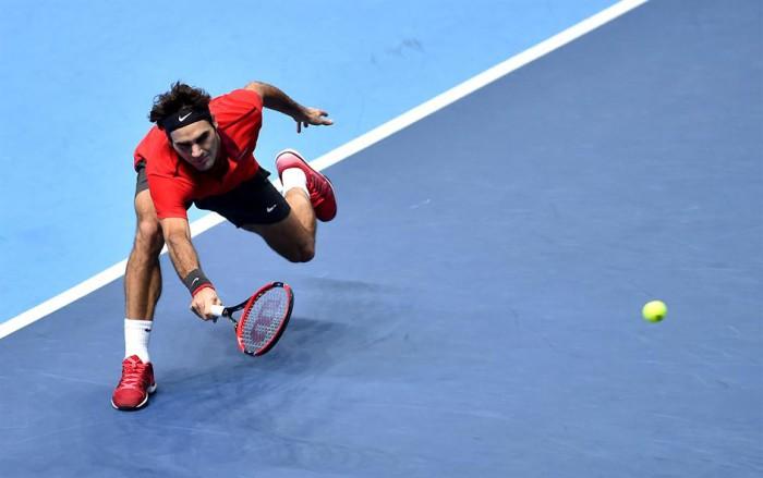 Federer salva cuatro puntos de partido ante Wawrinka en Londres