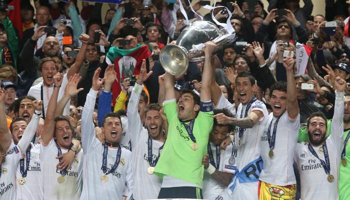 Iker Casillas levanta al cielo la Décima Copa de Europa para el Real Madrid