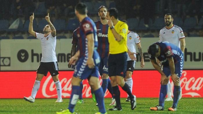 Alcácer se reencontró con el gol en Eibar
