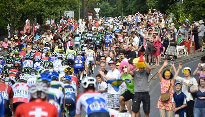 Pelotón en el Tour de Francia 2014
