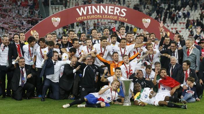 El Sevilla ya tiene tres Europa League en sus vitrinas