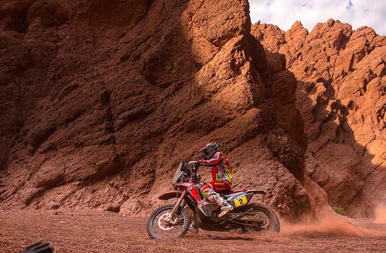 Dakar 2015: Price gana en motos, Barreda 2º y Marc Coma gestiona su ventaja