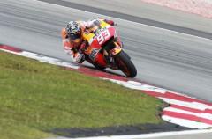 Marc Márquez operado al fracturarse un dedo y duda para el GP de España en Jerez