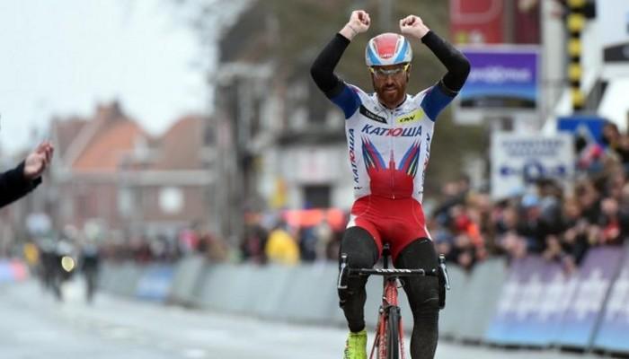 Luca Paolini ganó una accidentada Gante - Wegelvem
