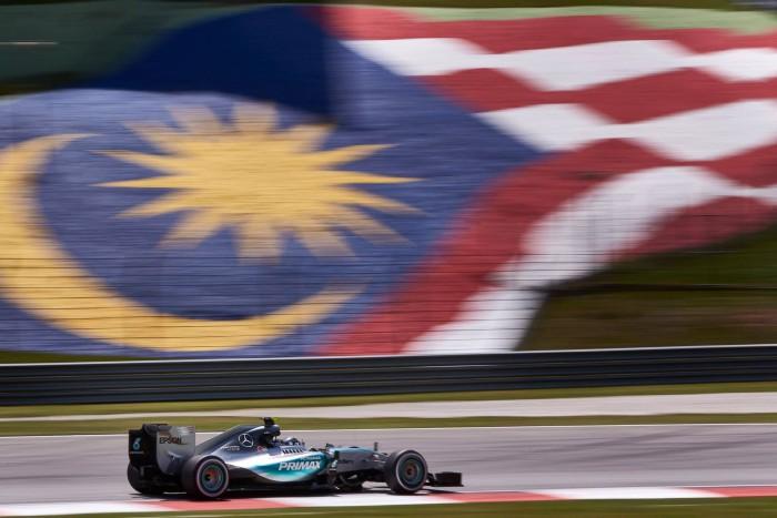 Mercedes en Malasia