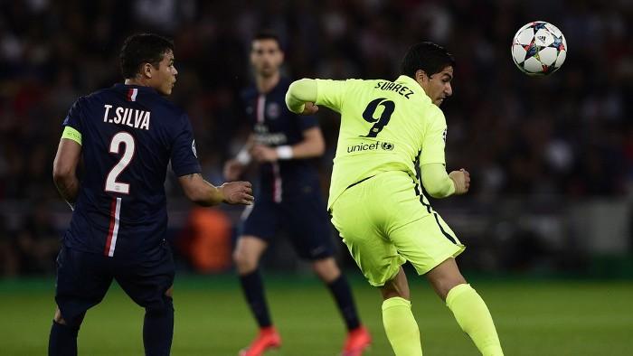 Luis Suárez marcó dos golazos en París