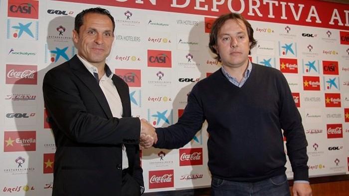 Sergi Barjuán presentado como nuevo entrenador del Almería