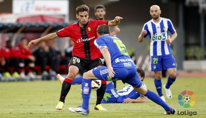 El Mallorca se acerca a la permanencia tras ganar a la Ponferradina