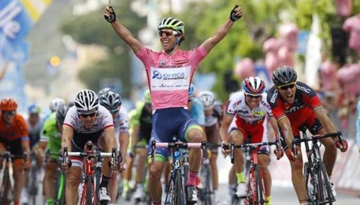 Matthews se impuso en la tercera etapa del Giro de Italia 2015