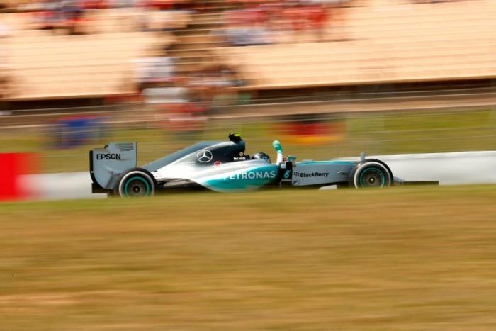Nico Rosberg gana en Barcelona