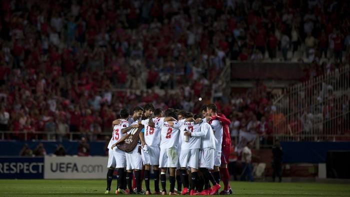El Sevilla tiene pie y medio en la final de la Europa League