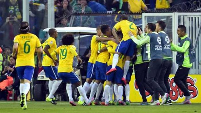 Brasil no echó de menos a Neymar para pasar a cuartos en la Copa América 2015
