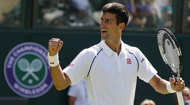 Djokovic avanza a segunda ronda en Wimbledon