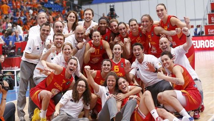 España celebra el bronce conquistado en el Eurobasket 2015
