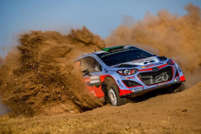 Hayden Paddon en el Rally de Cerdeña