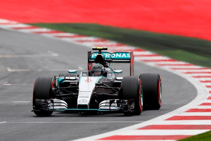 Nico Rosberg gana en Austria