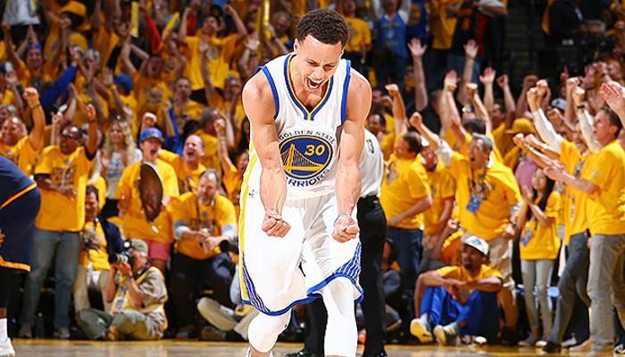 Curry llegó hasta los 37 puntos en el quinto partido de la serie