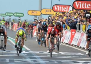 Tour de Francia 2015: Greipel gana la etapa y Cancellara se pone de líder