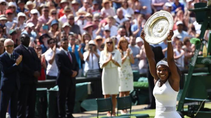 Serena Williams gana en Wimbledon