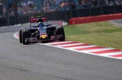 GP de Gran Bretaña 2015 de Fórmula 1: pole para Hamilton, Sainz 8º, Alonso 17º y Merhi 20º