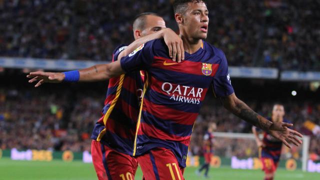 Neymar celebra el gol que le marcó al Levante