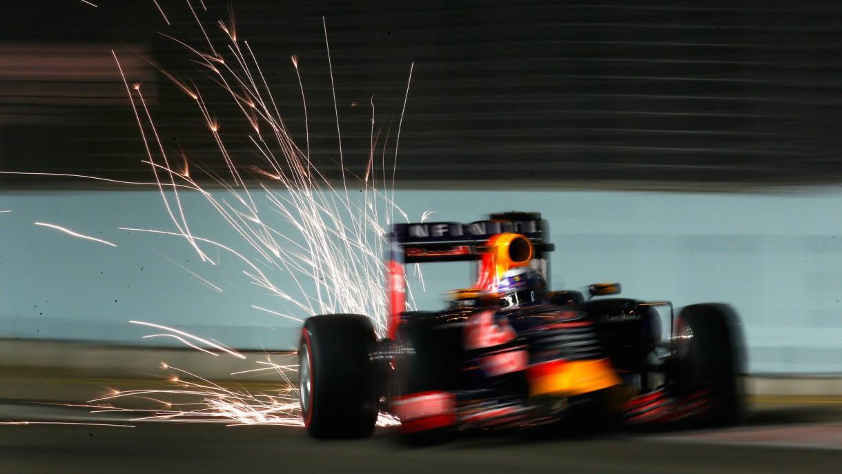 GP de Singapur 2015 de Fórmula 1: Vettel consigue la pole, Alonso 12º y Sainz 14º