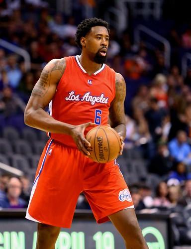 DeAndre Jordan al final se quedó en los Clippers