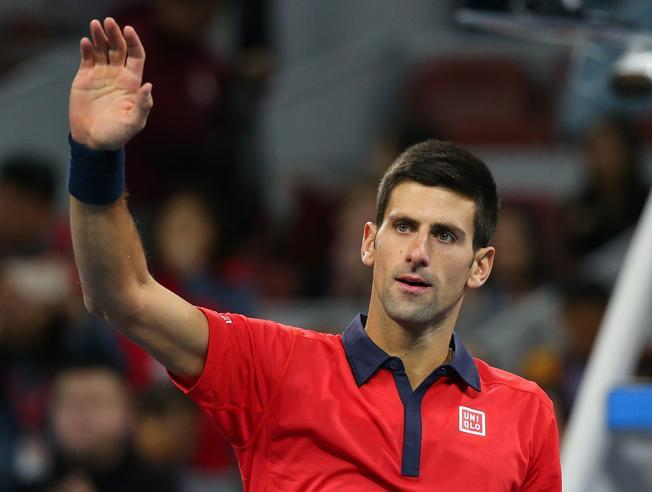 Djokovic a semifinales en Beijing