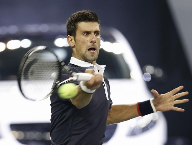 Djokovic arrasa con López en Shanghai