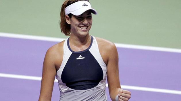 Muguruza a semis en singles y dobles en Singapur