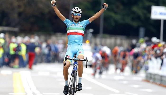 Nibali celebra su victoria en Tre Valli Varesine