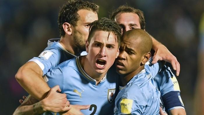 Uruguay goleó a Colombia en el Estadio Centenario de Montevideo