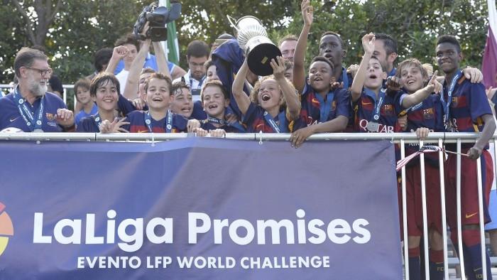 El Barça alevín ganó la XX edición del Torneo de Navidad