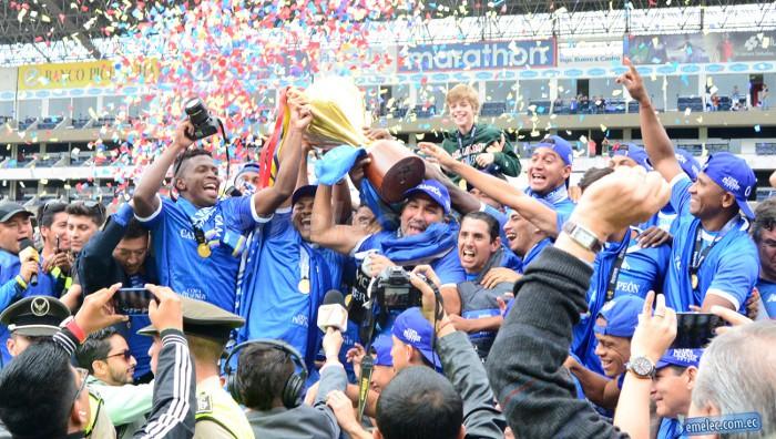 Emelec celebra su tercera liga consecutiva en Ecuador