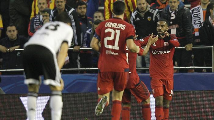 El Valencia se despide de la Liga de Campeones con derrota ante el Lyon